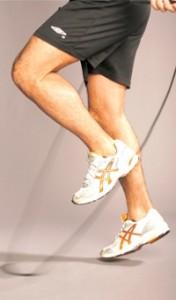 Fitnesstrainer Rosario beim seilspringen