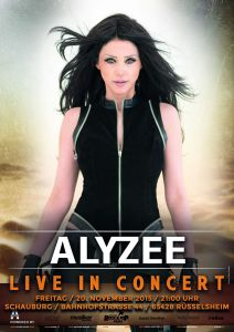 Alyzee hält sich mit Personaltraining FIT!